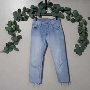 Levis light wash vintage cropped raw hem jeans